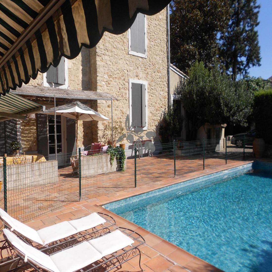 piscine pool house